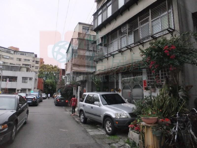 買屋賣屋租屋中信房屋-芝山雅寓2樓4大房(96)