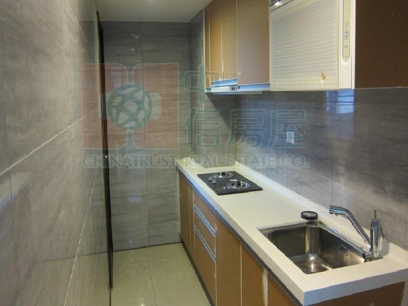 買屋賣屋租屋中信房屋-c-128佳瑞極美