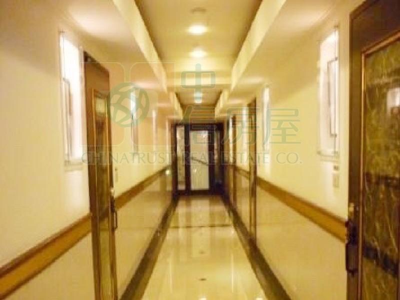 買屋賣屋租屋中信房屋-仁愛亞洲高樓美景