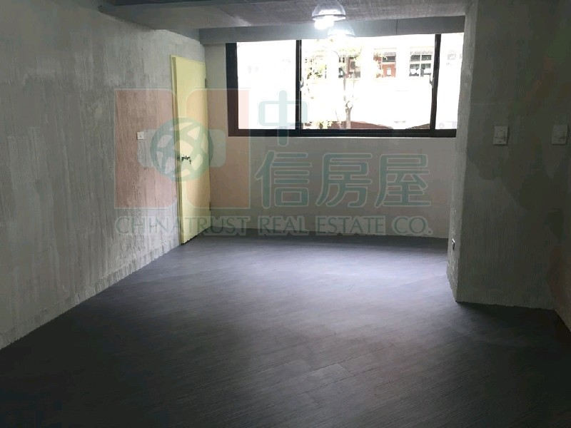 買屋賣屋租屋中信房屋-三民捷運京華城純辦