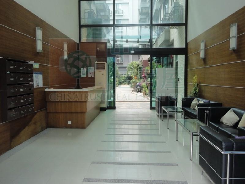 買屋賣屋租屋中信房屋-D-65名人富邦庭園別墅