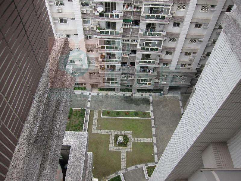 買屋賣屋租屋中信房屋-隆德天下高樓電梯三房附坡平車位