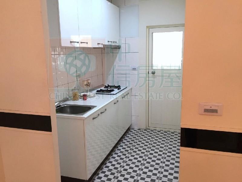 買屋賣屋租屋中信房屋-五期絕版低總價小資美屋