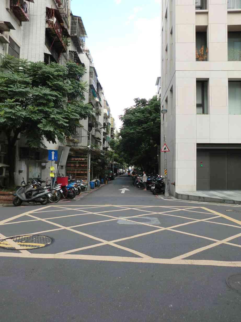 公寓-富台林蔭邊間-臺北市信義區忠孝東路5段