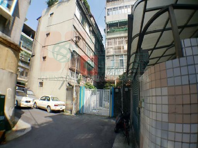 買屋賣屋租屋中信房屋-金門街方正邊間三房