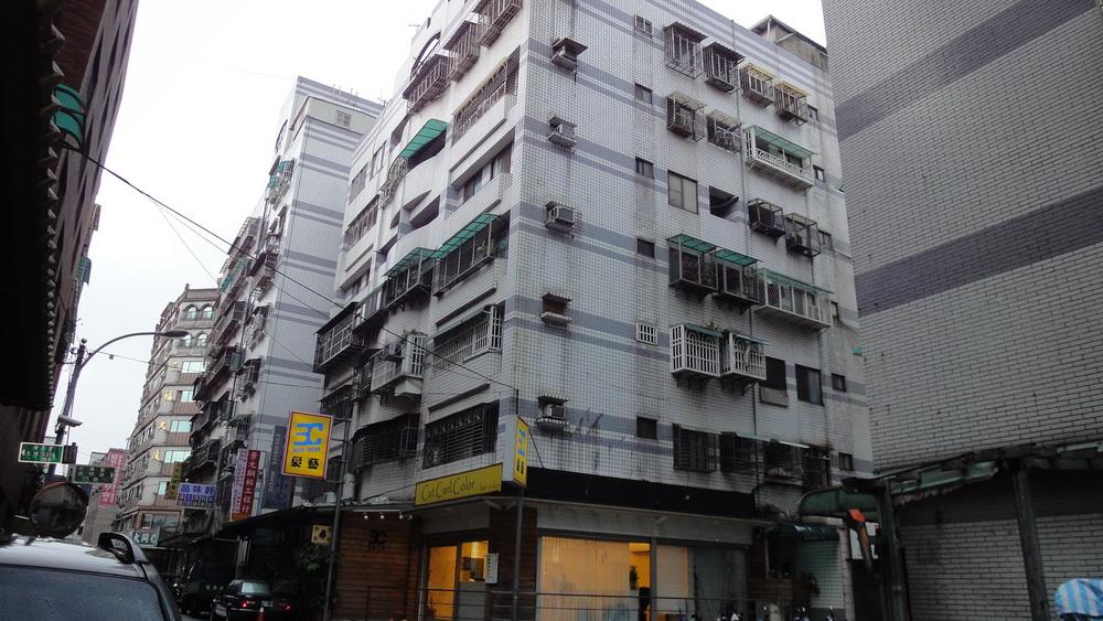 買屋賣屋租屋中信房屋-B-10青年城華廈