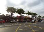 買屋賣屋租屋中信房屋-黃昏市場有市地41坪大面寬三角窗印鈔金透店