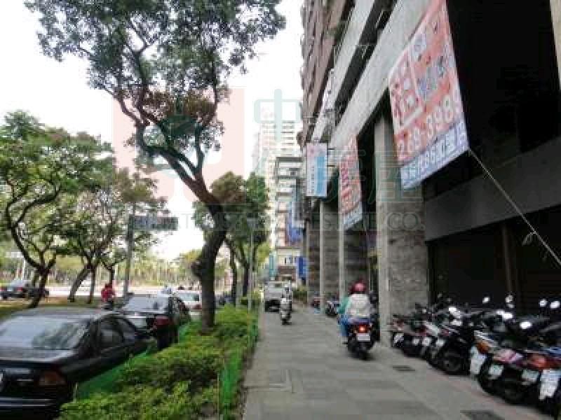 買屋賣屋租屋中信房屋-R7站邊民權二路大店面