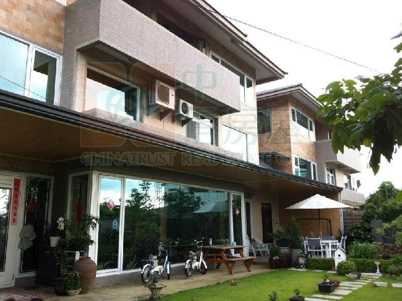 買屋賣屋租屋中信房屋-氣派綠意豪墅