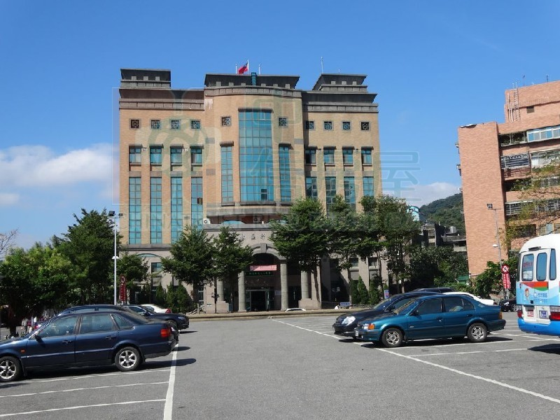 買屋賣屋租屋中信房屋-c-40豪鑽商業大樓