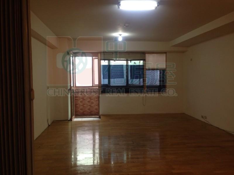 買屋賣屋租屋中信房屋-2103貴族2F