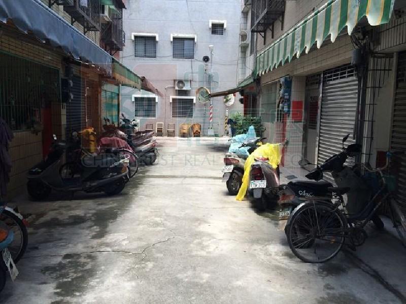 買屋賣屋租屋中信房屋-衛武營翻新車庫透天2