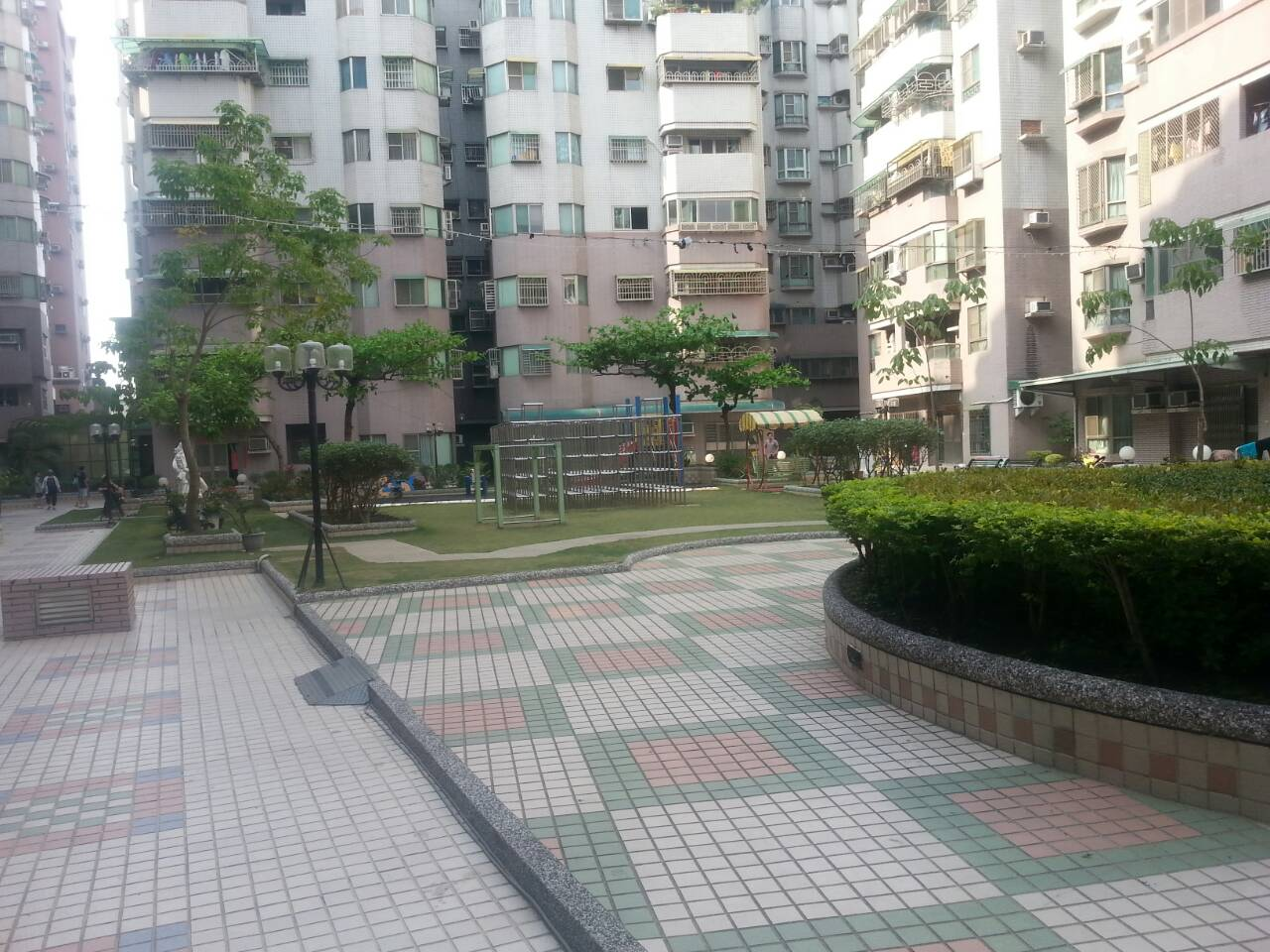 電梯住宅-吉寶市樓中樓車位電寓-臺南市東區利東街