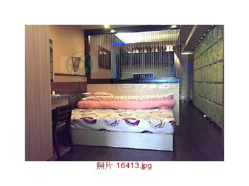 買屋賣屋租屋中信房屋-014捷運站露台套房車
