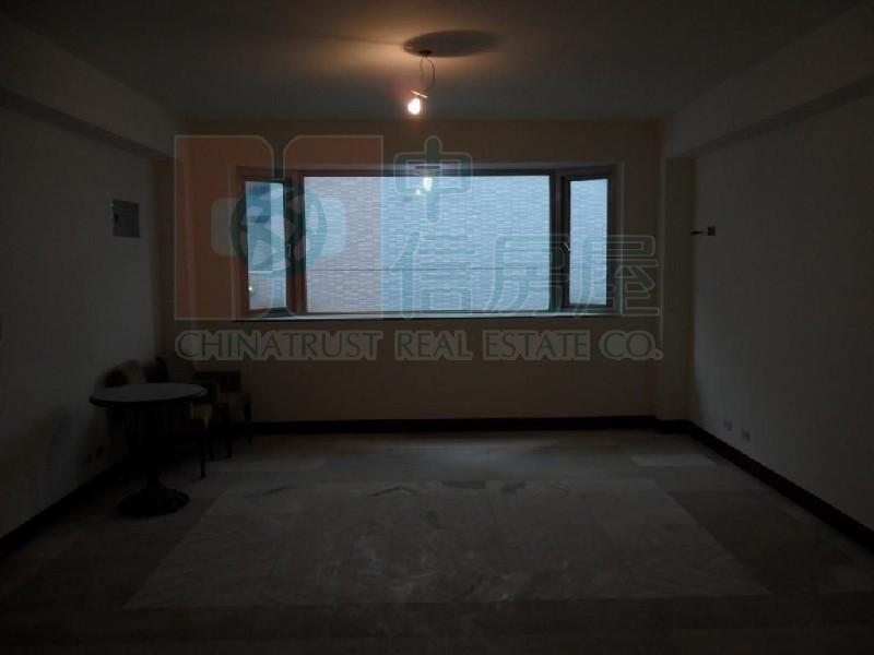 買屋賣屋租屋中信房屋-安瀾橋電梯