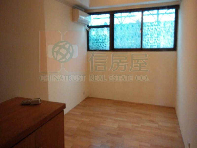買屋賣屋租屋中信房屋-B091三多國中電梯三房+車位