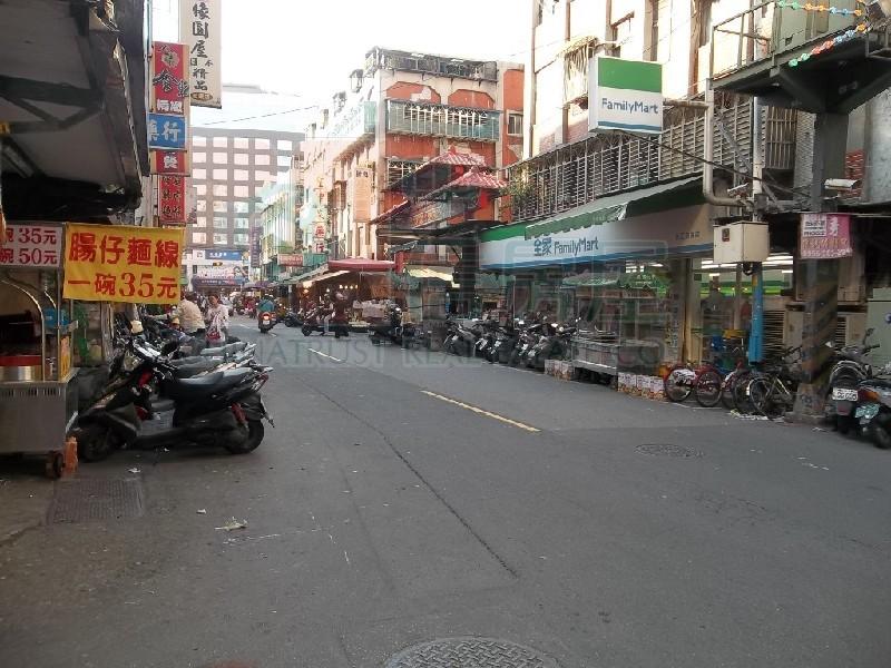 買屋賣屋租屋中信房屋-B053-思賢國小公寓【中信房屋 副都心加盟店